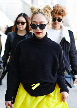 womens-fashion-outfit-color-blocking-photographic-black-and-white-bright-colors
