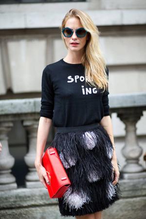 womens-fashion-ootd-polka-dots-red-fringe-black-and-white