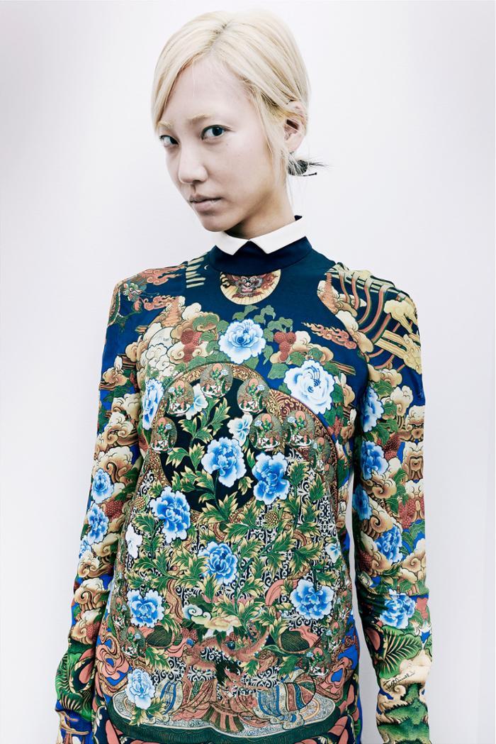 womens-fashion-ideas-florals-blue-prints-multicolor