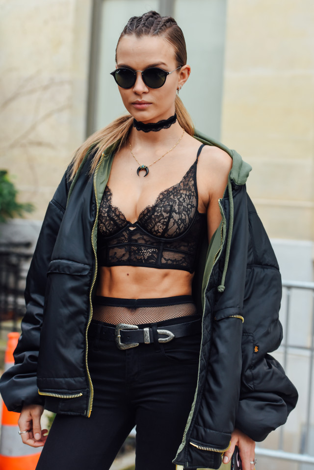 womens-fashion-outfit-black-military-all-black-chic-sunglasses