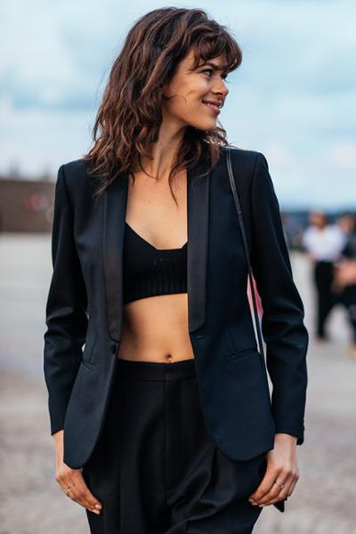 womens-fashion-inspiration-crop-tops-all-black