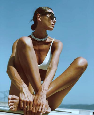 womens-fashion-inspiration-black-silver-all-white-chic-sunglasses