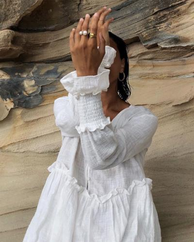 womens-fashion-inspiration-gold-all-white