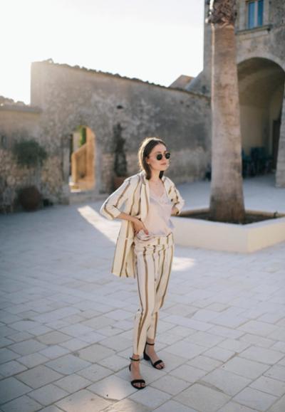 womens-fashion-look-all-white-stripes