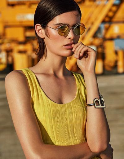 womens-fashion-photography-yellow-big-jewelry-chic-sunglasses
