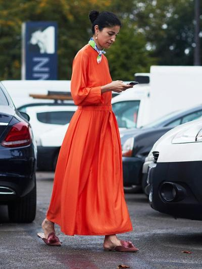 womens-fashion-outfit-orange-big-jewelry