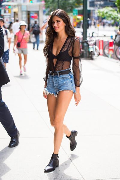 womens-fashion-look-black-lace-denim