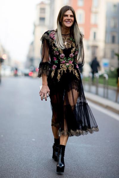 womens-fashion-ideas-black-lace-embroidery