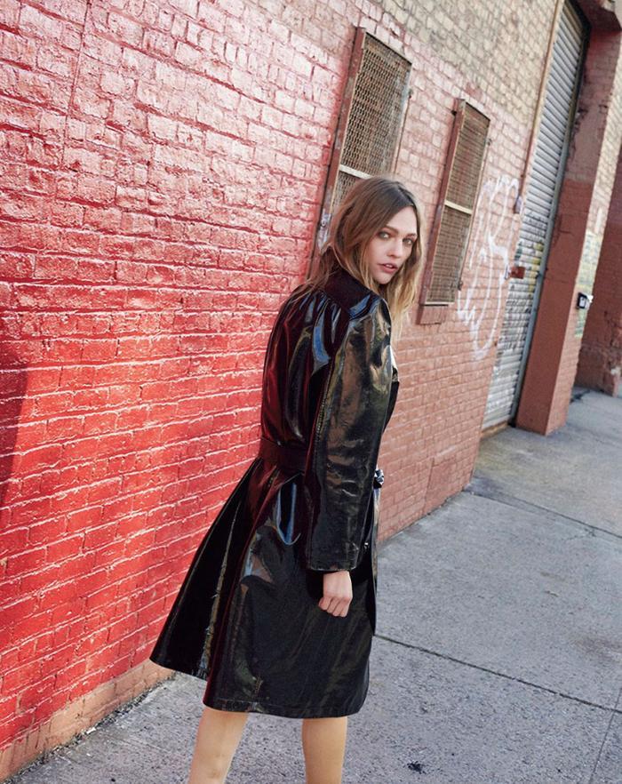 womens-style-inspiration-black-plastic