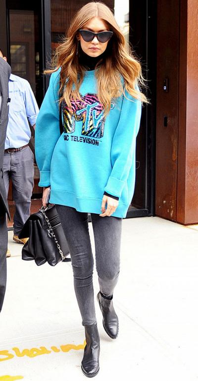 womens-fashion-inspiration-turquoise-bright-colors-skinny-pants