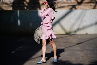 womens-fashion-ideas-pink-ruffles-chic-sunglasses