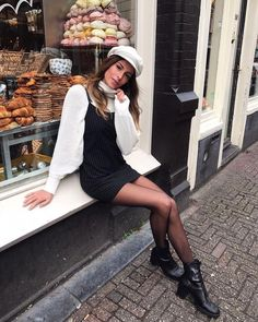 womens-fashion-outfit-fedora-hats-multicolor-fancy-tights