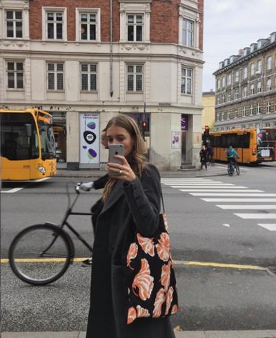womens-fashion-photography-florals-black-grey
