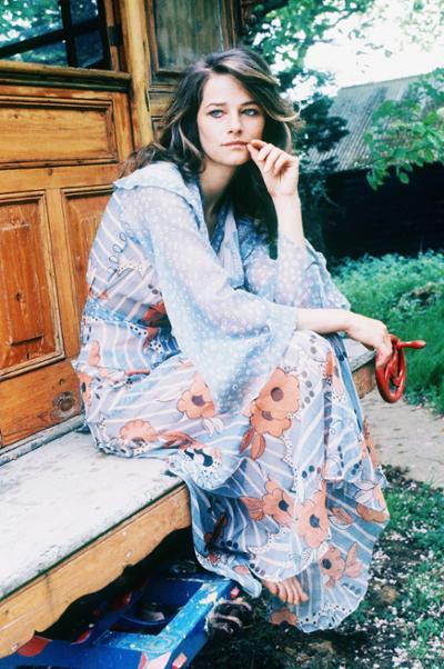 womens-fashion-inspiration-florals-transparent-prints-long-skirts