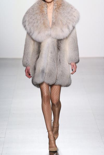 womens-fashion-look-fur