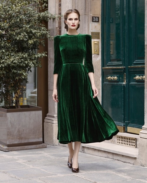 womens-fashion-outfit-green-velvet