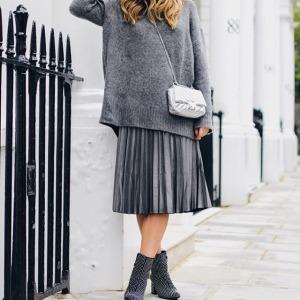 womens-fashion-photography-grey-pleats
