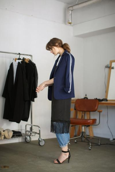 womens-style-inspiration-blue-black-sportswear-laces-and-straps