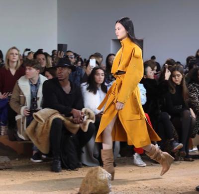 womens-style-inspiration-leather-light-coats-camel-turtlenecks