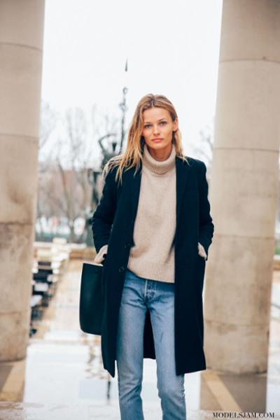 womens-fashion-photography-navy-masculine-turtlenecks