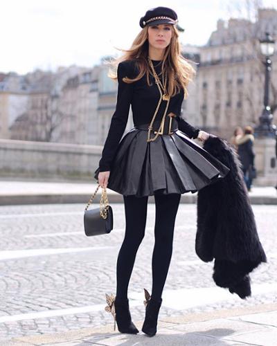 womens-fashion-ootd-black-gold-all-black