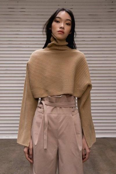 womens-fashion-inspiration-khaki-beige-wool-turtlenecks
