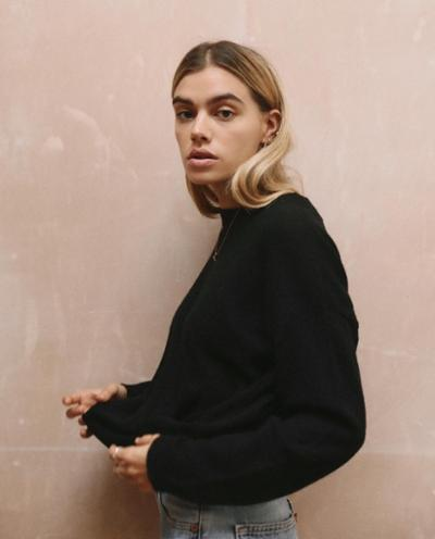 womens-style-inspiration-black-denim-turtlenecks