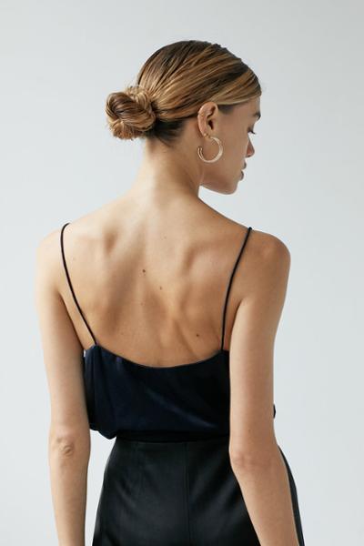 womens-fashion-inspiration-blue-big-jewelry