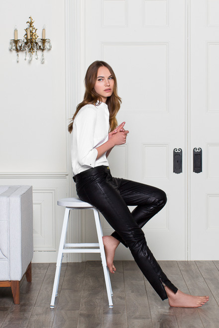 womens-fashion-outfit-leather-black-and-white