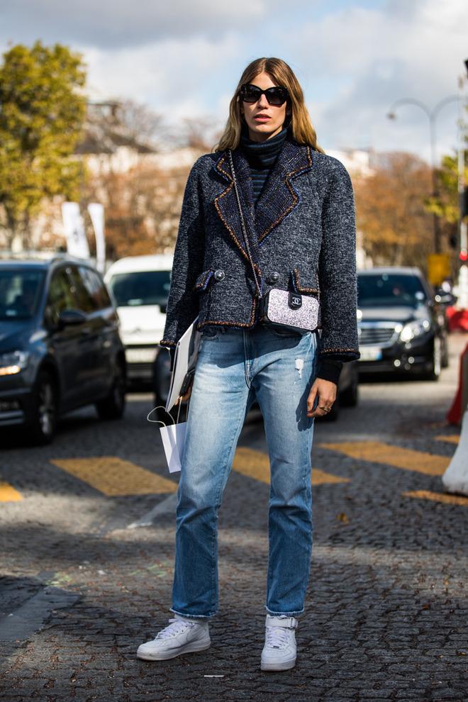 womens-fashion-inspiration-black-denim-fuzzy