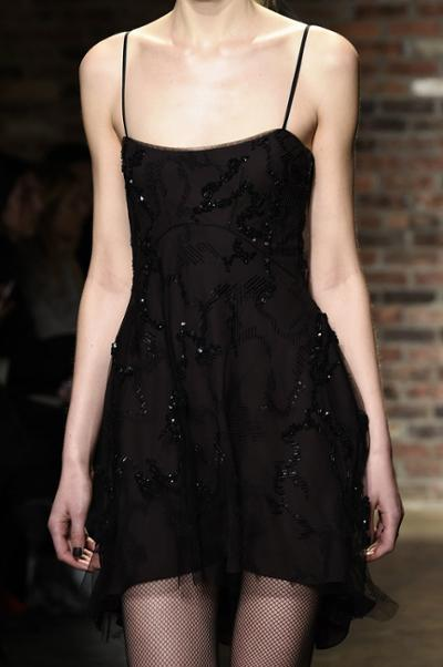 womens-fashion-look-black-embroidery