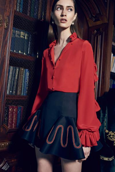 womens-fashion-outfit-red-blue-ruffles