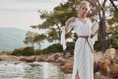 womens-fashion-ideas-white-stripes-bright-colors
