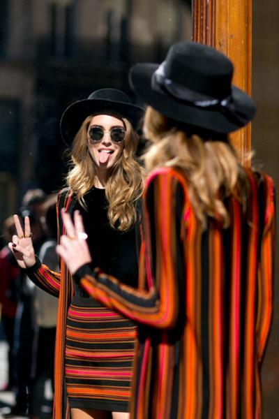 womens-fashion-ideas-fedora-hats-multicolor-stripes-chic-sunglasses