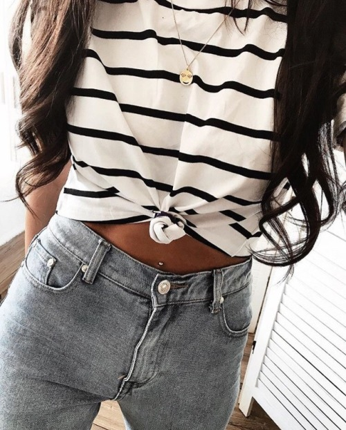 womens-fashion-ootd-crop-tops-black-and-white