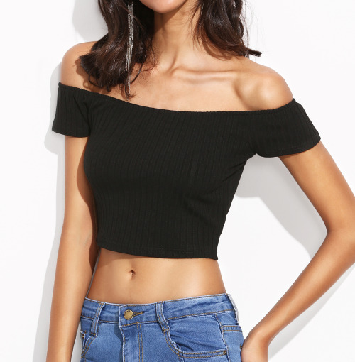 womens-fashion-photography-crop-tops-skinny-pants-strapless