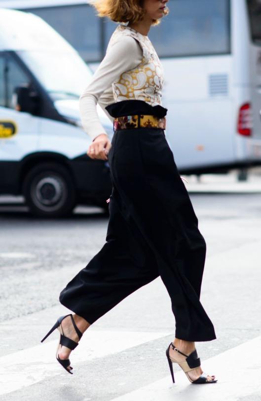 womens-fashion-look-white-black-flared-pants
