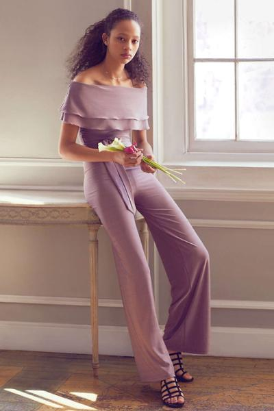 womens-fashion-outfit-purple-one-color-seventies-flared-pants