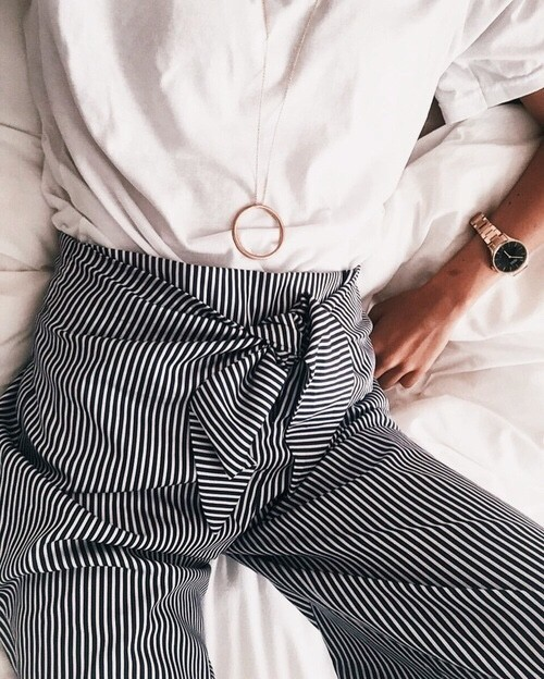 womens-fashion-photography-seventies-stripes-flared-pants