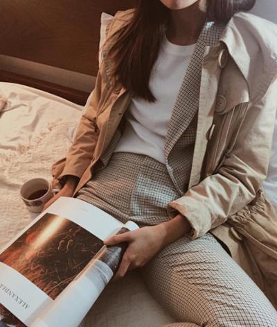 womens-fashion-inspiration-white-light-coats-beige