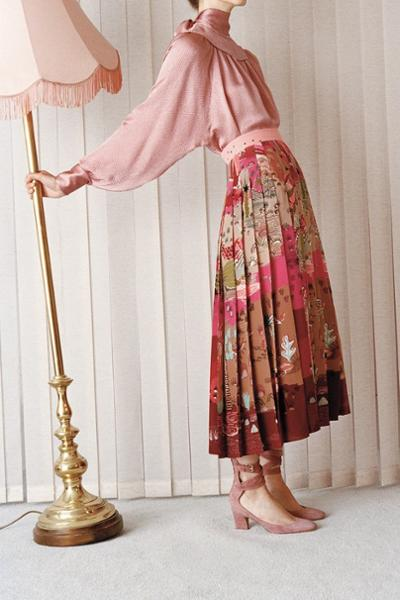 womens-fashion-outfit-pink-prints-long-skirts