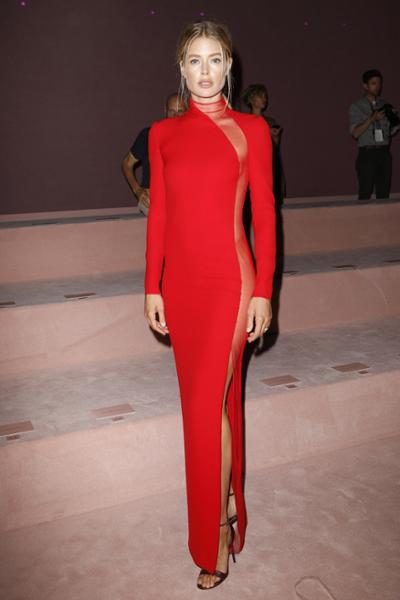 womens-fashion-outfit-red-transparent-one-color-turtlenecks