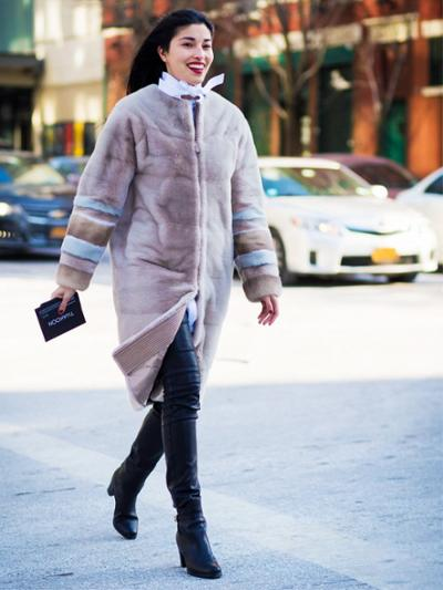 womens-fashion-outfit-tall-boots-puffer-coats