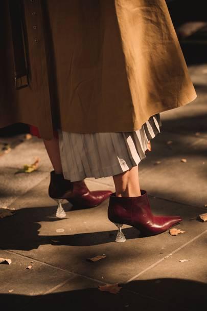 womens-fashion-photography-multicolor-ruffles