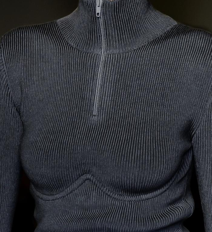 womens-fashion-ootd-black-zippers-sportswear-turtlenecks