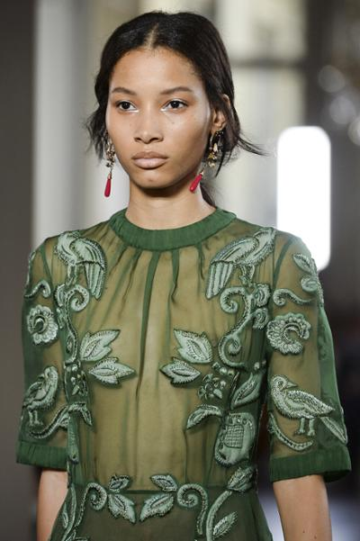 womens-fashion-inspiration-green-transparent-embroidery