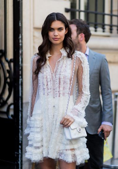 womens-fashion-inspiration-white-lace-ruffles