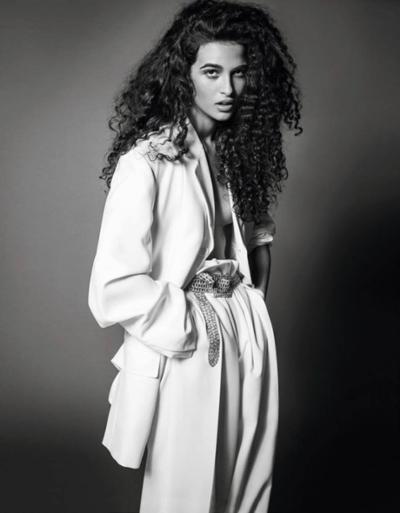 womens-fashion-photography-masculine-all-white