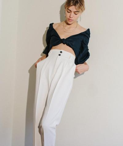 womens-fashion-inspiration-navy-white-crop-tops-big-jewelry