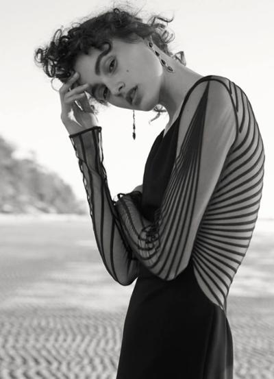 womens-style-inspiration-black-transparent-big-jewelry